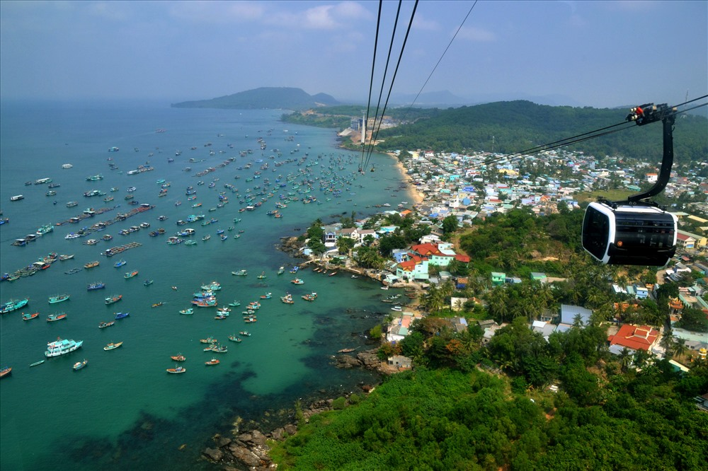 Oh My God, Hòn Thơm Island in Phu Quoc is so beautiful. We go find now!