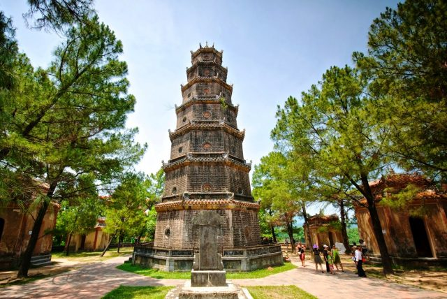 huyen khong pagoda e1490936192377 - What to see in Hue, Vietnam