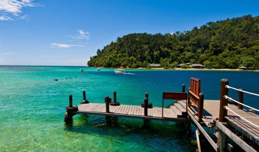 Travelers attracted by daily life on Phu Quoc Island